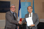 http://www.diplomatie.gouv.fr/fr/IMG/jpg/CS_Signature_accord_3.jpg
