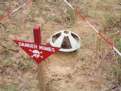 http://www.diplomatie.gouv.fr/fr/IMG/jpg/Mines2.jpg