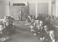 Conférence d'auditeurs au CHEAM en 1946