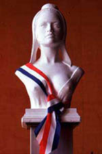Marianne avec écharpe tricolore