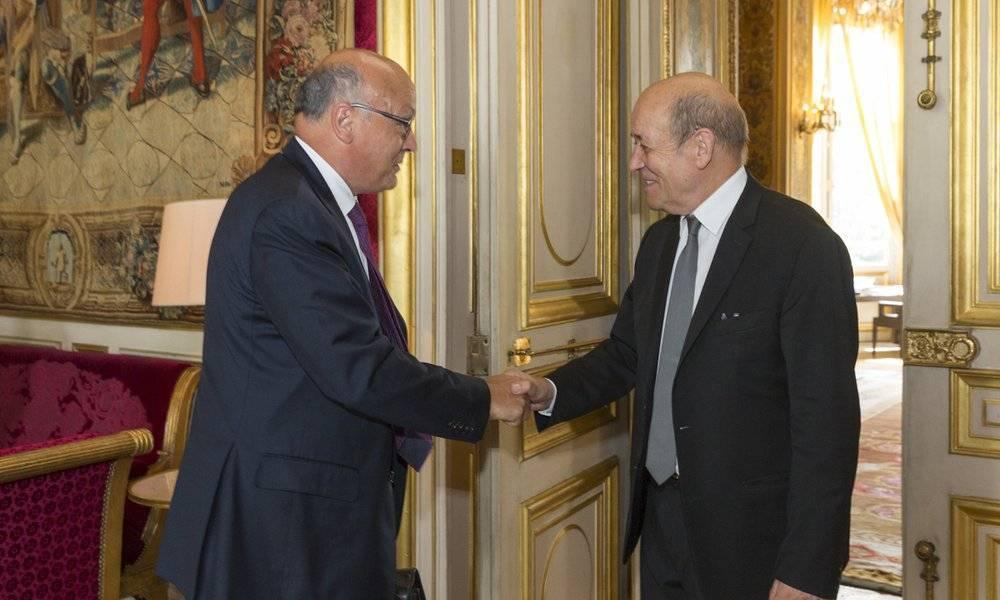 Diplomatie conomique entretien de jean yves le drian for Commerce exterieur gouv fr